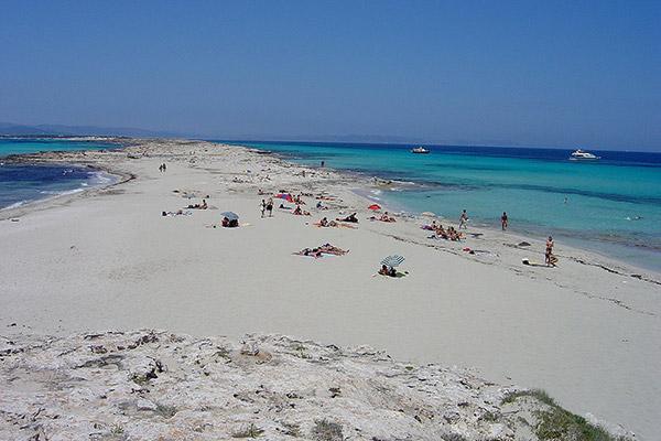 Playa de Ses Illetes, un juego de color