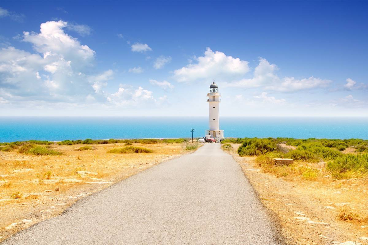 Cap de Barbaria lighthouse - Es Formentera.com