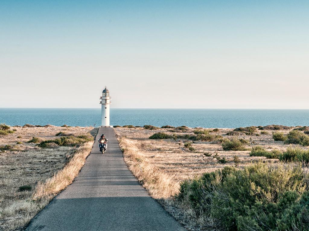 5 consejos para alquilar tu moto en Formentera